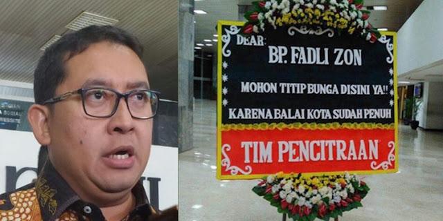 Fadli Zon dapat Kiriman Bunga dari 'Tim Pencitraan' dan Puisi Bergengsi dari Netizen.. Isinya, JOSS!!