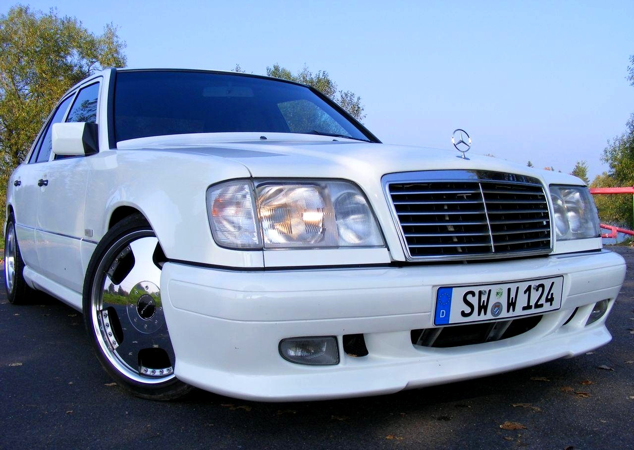 Mercedes-Benz W124 WALD BODYKIT | BENZTUNING