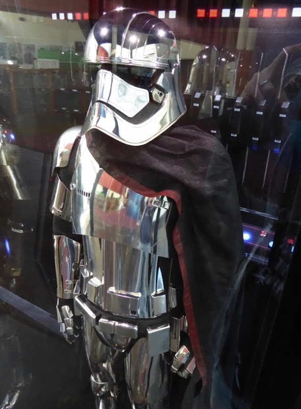 Star Wars Last Jedi Captain Phasma armour