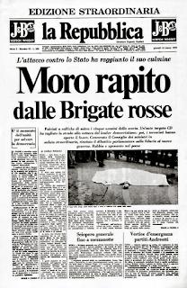 La Repubblica's headline: Moro rapito (Moro kidnapped)