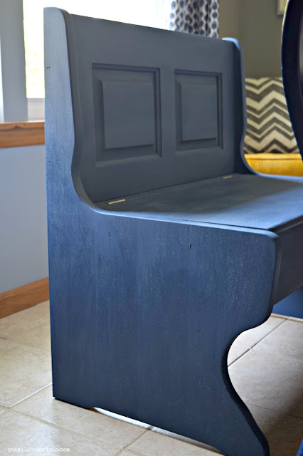 Get the look of this Navy Blue farmhouse dining room bench with Diva of DIY Chalk Mix Paint