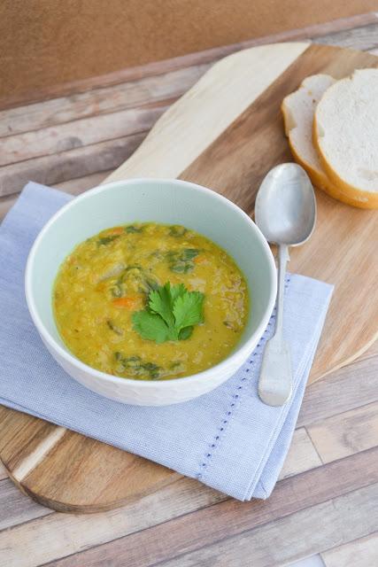 Spiced Carrot, Lentil and Chickpea Soup #soup #lentilsoup #spinachsoup #carrotsoup #vegansoup #easysoup