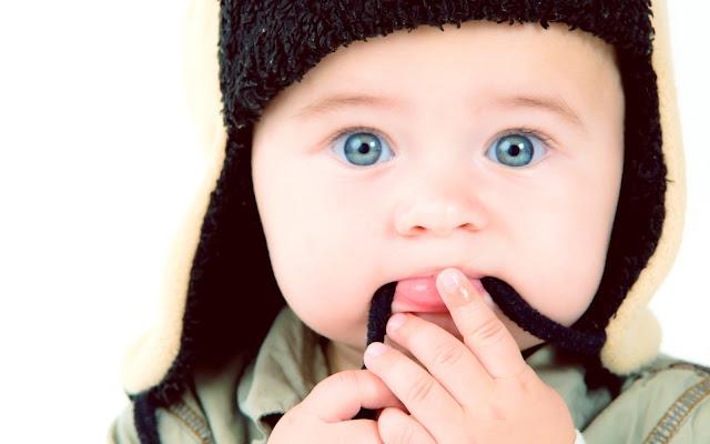 Image bébé garcon mignon