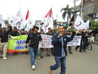 Jalankan Qanun Tenaga Kerja, Buruh di Aceh Datangi Kantor Gubernur Aceh