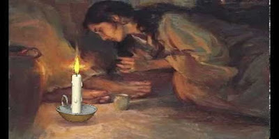 imagem de Maria rezando