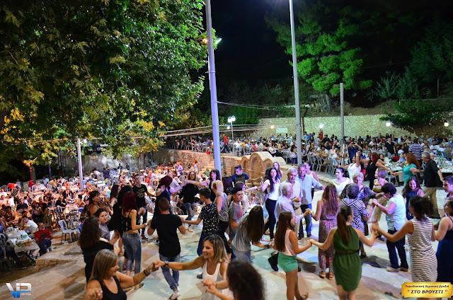 Πολύ κέφι και χορός στο παραδοσιακό πανηγύρι στο Βρούστι