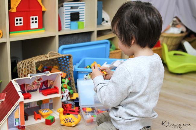kitouchy tibo liee malo bien ranger ses playmobil enfin surprise. Black Bedroom Furniture Sets. Home Design Ideas