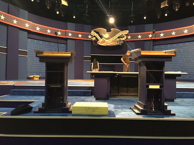 hillary clinton podium cheat