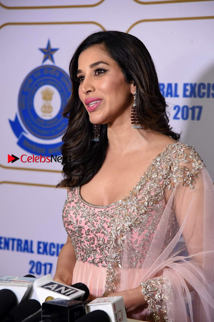 Bollywood Actress Model Sophie Choudry Stills in a Beautiful Dress at The Annual Central Excise Day Celetion  0001.jpg