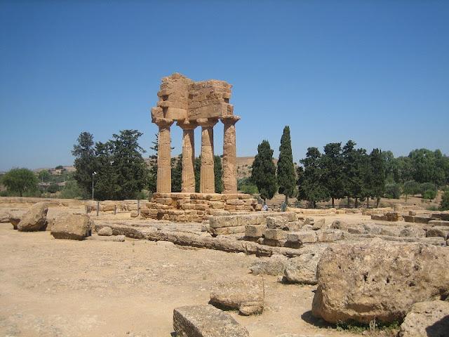 Agrigento - Templo de los Dioscuros