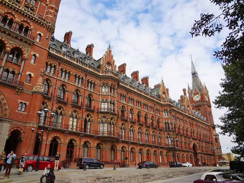 The best airbnb in London! St Pancras clock tower apartment