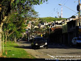Rua Alto do Rio Bravo, usado pelos moradores locais para atividades de corrida e caminhada