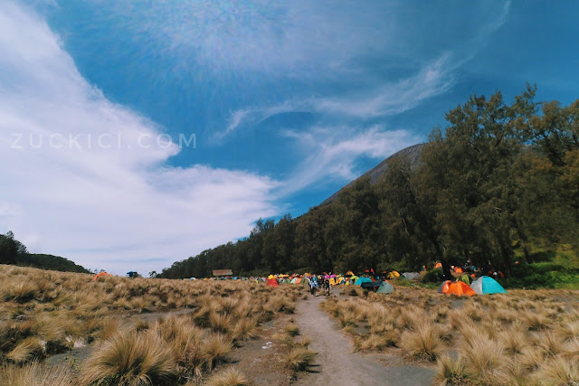 Kawasan kemping di Kalimati Gunung Semeru