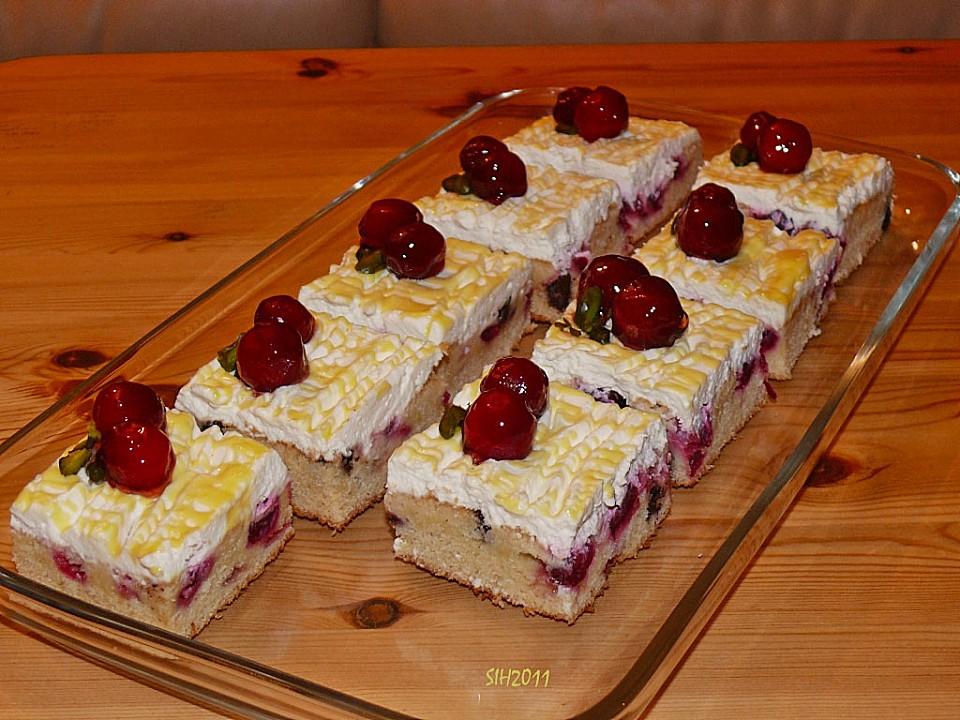Backen Kochen Geniessen Kirsch Eierlikor Blechkuchen Mit Schmand