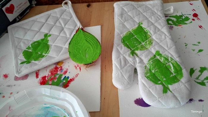 manualidades-estampar-con-cebollas