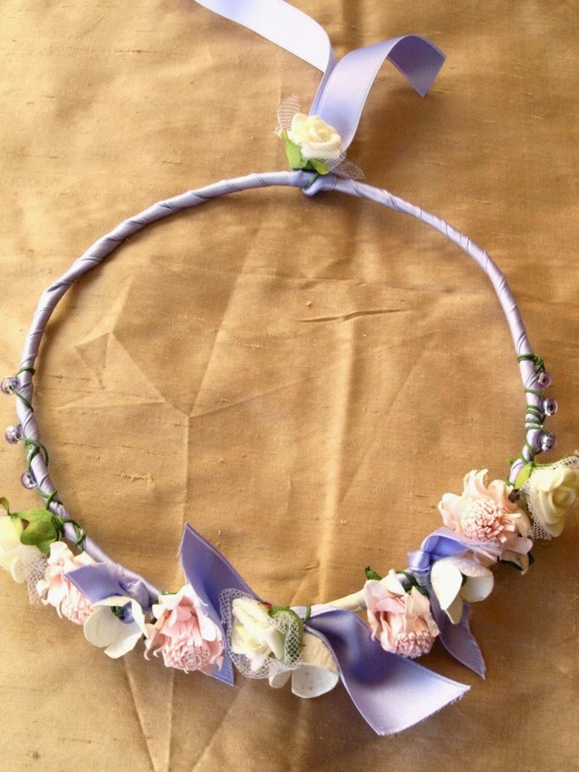 53a2838b0d2 Στεφανάκια για Παρανυφάκια ή αναμνηστικά σε βάπτιση με λουλούδια από  κουκούλι και διάφορα άλλα λουλούδια για πιο οικονομική πρόταση