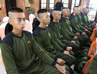 foto 16 remaja surabaya yang lolos seleksi di PT Garuda Indonesia