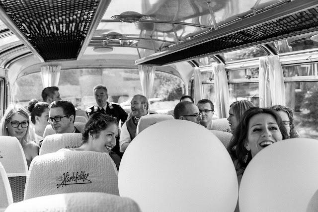Hochzeitsreportage, Pomponetti Photography, Hochzeitsfotografie, Oldtimerbus, Setra