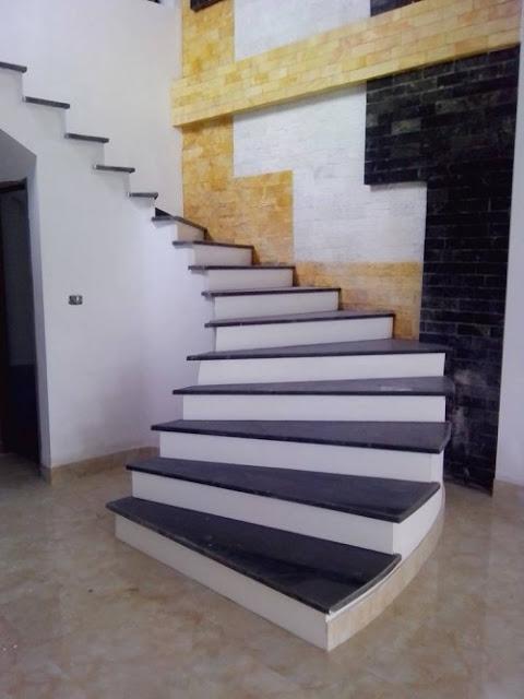 cầu thang đá hoa cương đen cổ trắng 1