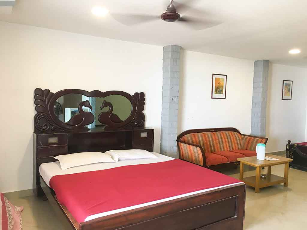 budget beach resorts in ecr for team outing