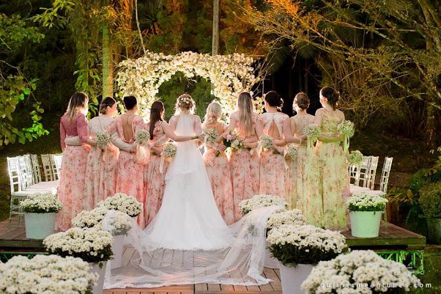 casamento real, decoração de cerimônia, rústico chic, rústico chic, portal de flores, madrinhas, bridesmaid, casamento eloiza e renato