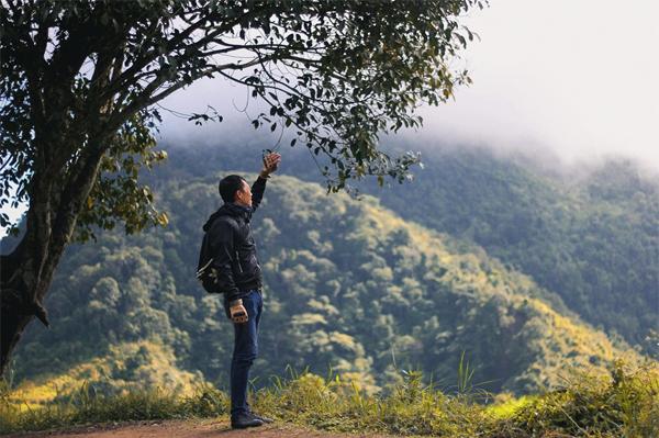 Du lịch Nghệ An ngắm mây vờn núi trên cổng trời Mường Lống