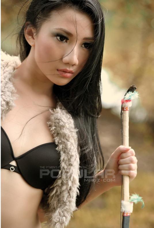 Koleksi Foto artis cantik Ade Sagita