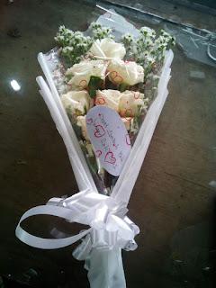 Hand Bouquet Mawar (WS-114)
