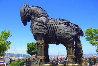 Truva atı efsanesi kısaca
