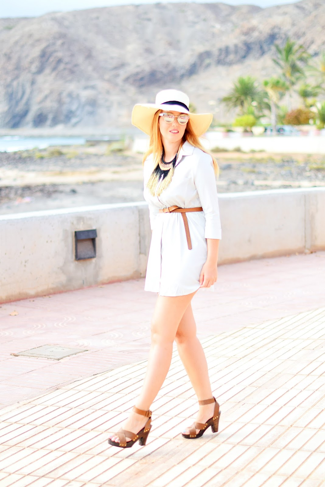 nery hdez, vestido camisero, opticalh, dior chromic, look para la playa, beach look,