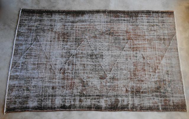 Vintage rug (ref # 7005) 321 cm x 209 cm, L's pick available at Garnier (be) as seen on linenandlavender.net