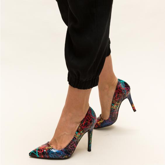 Pantofi eleganti negri cu toc inalt si imprimeu colorate la moda