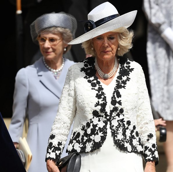 Queen Elizabeth II, Duchess Camilla of Cornwall, Countess Sophie of Wessex, Princess Anne, wearring is print dress