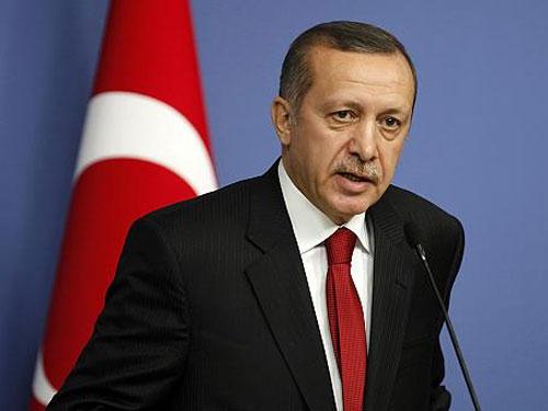 تركيا اليوم.. نظام أردوغان يصدر أمر اعتقال لنجم كرة القدم التركي هاكان سوكور