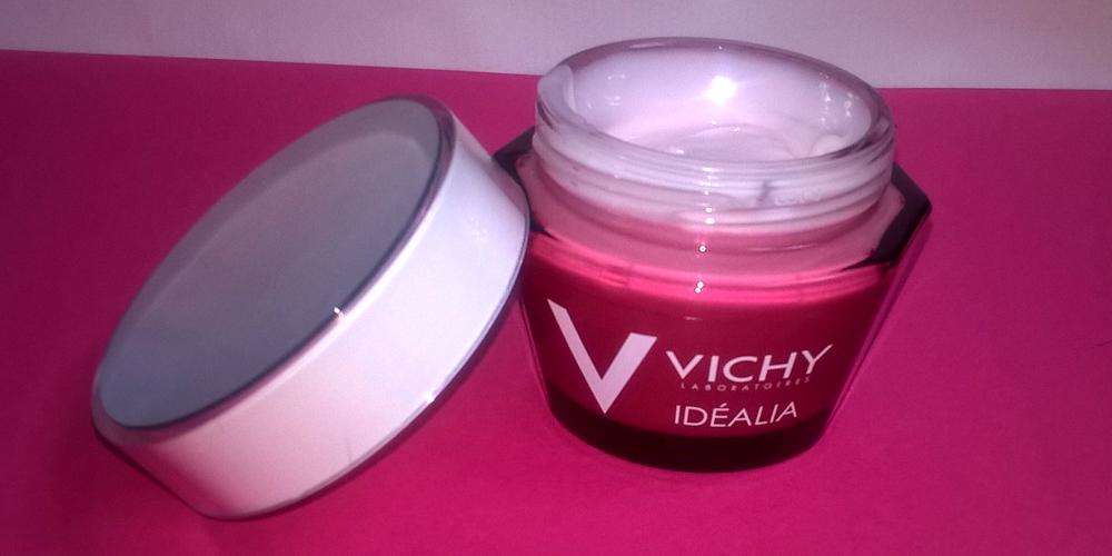Test de la crème énergisante et de la soin peeling nuit Vichy Idéalia, le duo idéal ? Par Lili LaRochelle