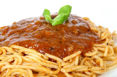 Spaghetti with a Skimpy Meat Sauce