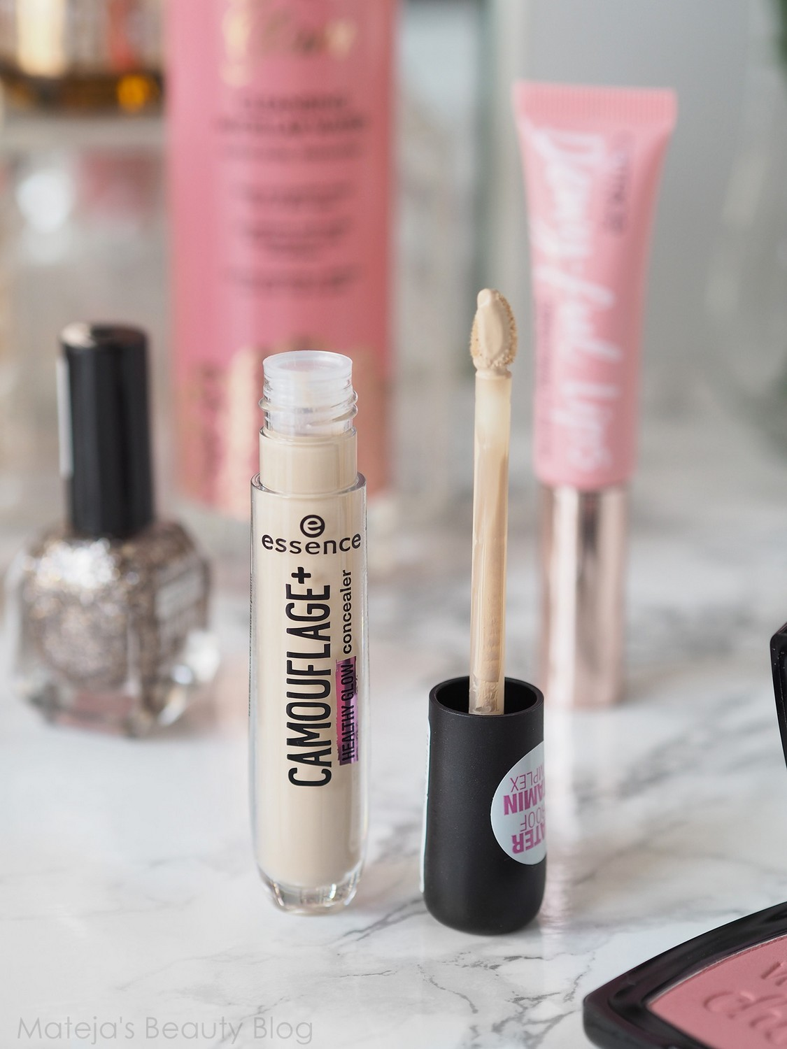 Essence Camouflage Healthy Glow Concealer