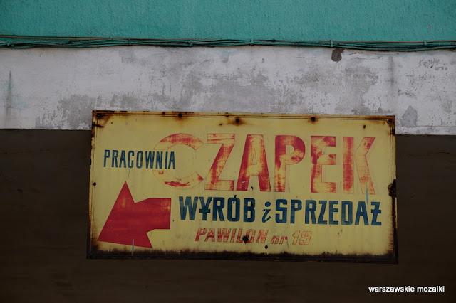 Warszawa szyld szyldy warszawskie retro pracownia czapek