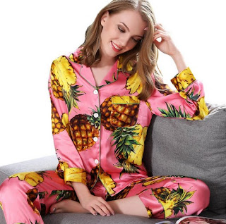 https://www.freedomsilk.com/19-momme-designer-printed-hot-pink-silk-pajama-set-p-5.html