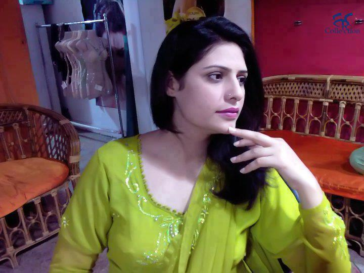 Meera Khan Pakitani Girl Mobile Number | Zong Girls Mobile ...
