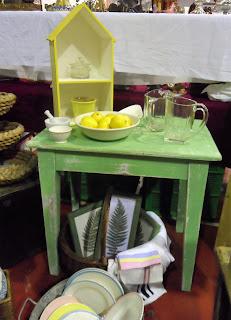 Detalle de mesa tocinera de el taller de chloe en desembalaje cantabria