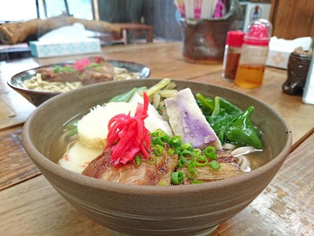 沖縄伝統木灰そばの店 むかしむかしの写真