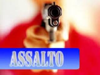 Adolescentes colocam arma em frentista e levam 400 reais e outros objetos
