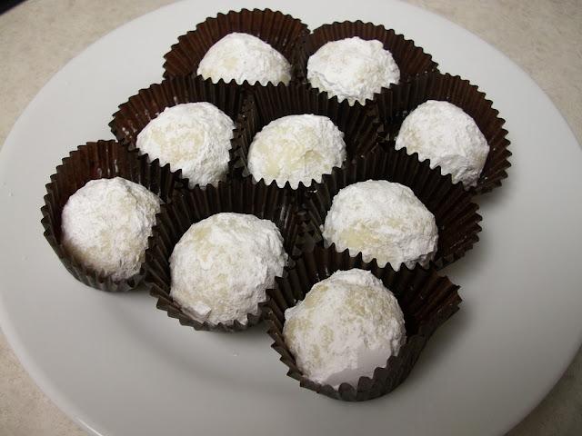 Boules de neige aux chocolat et noix