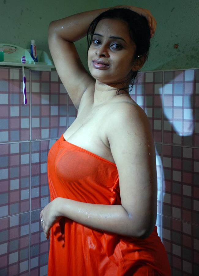 Southindian Actress Leaked Bathroom Selfie Images  Hot -2999