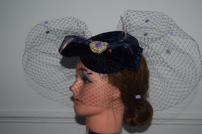 Velvet percher hat