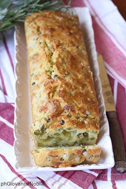 Cake salato con piselli e fontina