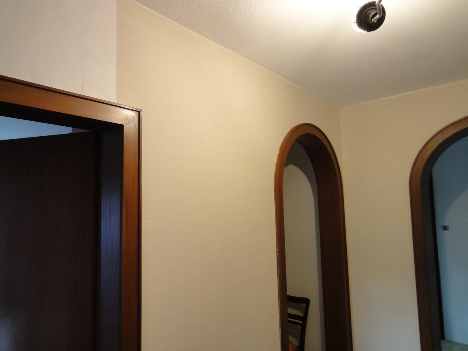 crafts co unser neues heim tapezieren der flur. Black Bedroom Furniture Sets. Home Design Ideas
