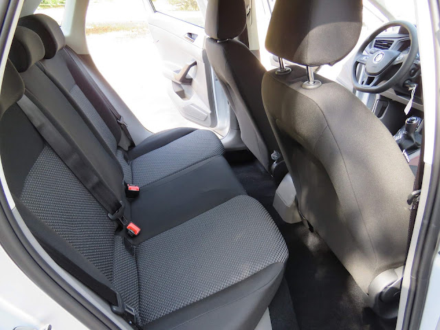VW Polo 2018 - interior - espaço interno traseiro