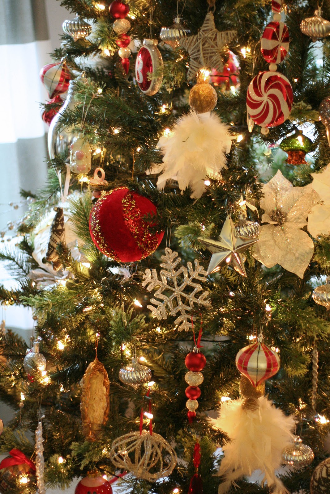 Tattered Tulips: Oh Christmas Tree